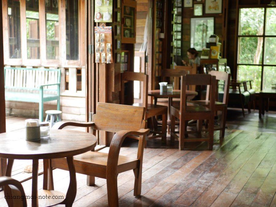 【ゆっくり時間】チェンマイキッチュな懐しい感じがするカフェ|all about coffee