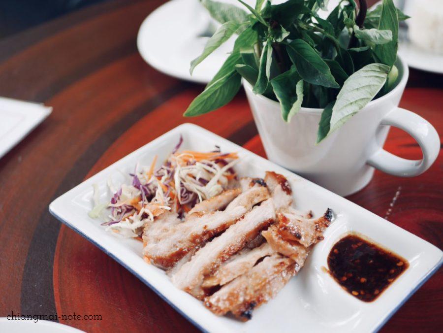 Lhongkhao Tummuan チェンマイの古民家レストラン コームーヤーン