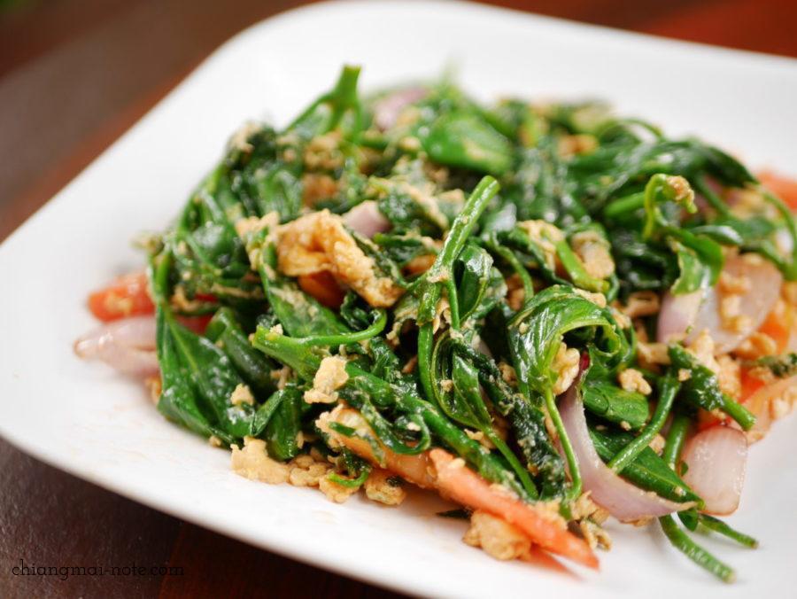 チェンマイ家庭料理の古民家レストラン|Lhongkhao Tummuan