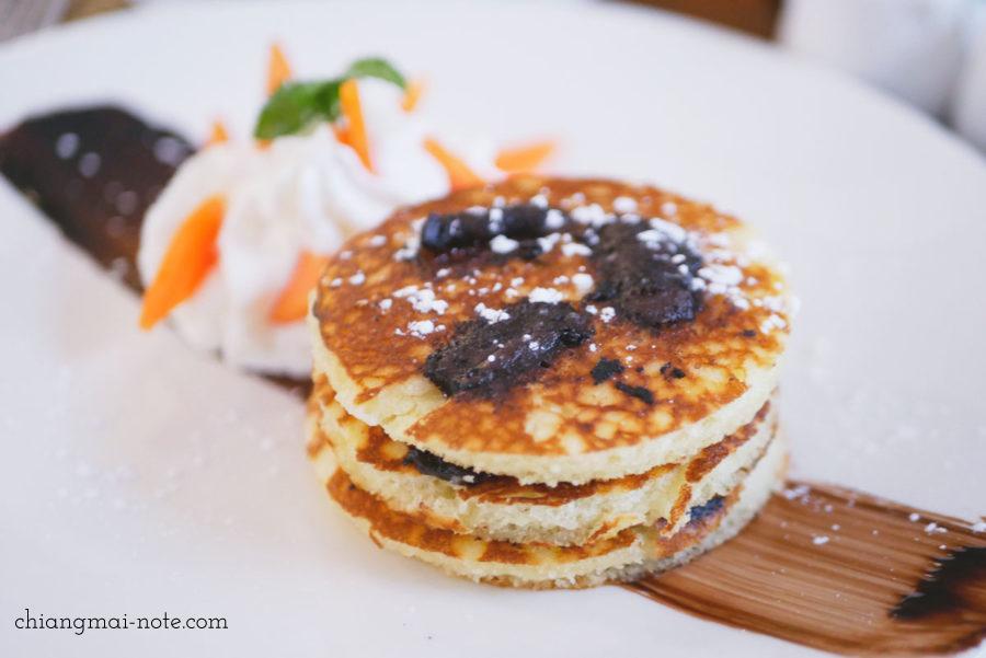 ナナジャングルカフェのパンケーキ  Nana jungle cafe and restaurant|チェンマイで美味しいパンを食べる・買うならナナベーカリー!カフェも素敵だよ