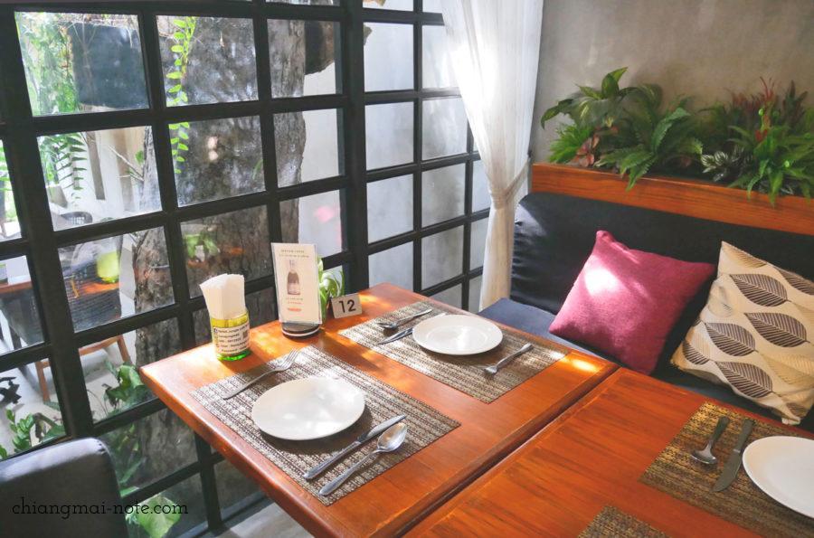 ナナジャングルカフェ  Nana jungle cafe and restaurant|チェンマイで美味しいパンを食べる・買うならナナベーカリー!カフェも素敵だよ