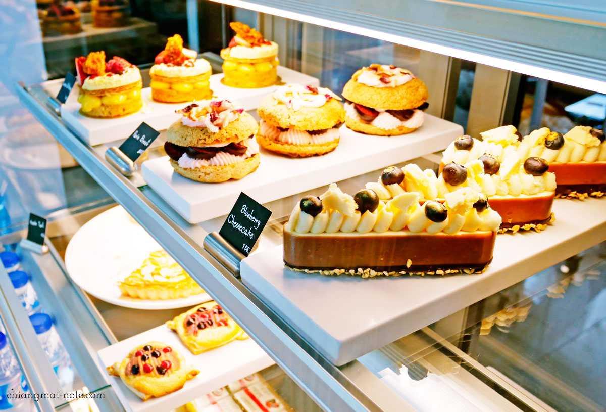 チェンマイカフェ巡り|ティーラボのケーキが麗しいしカフェがすごく落ち着く件