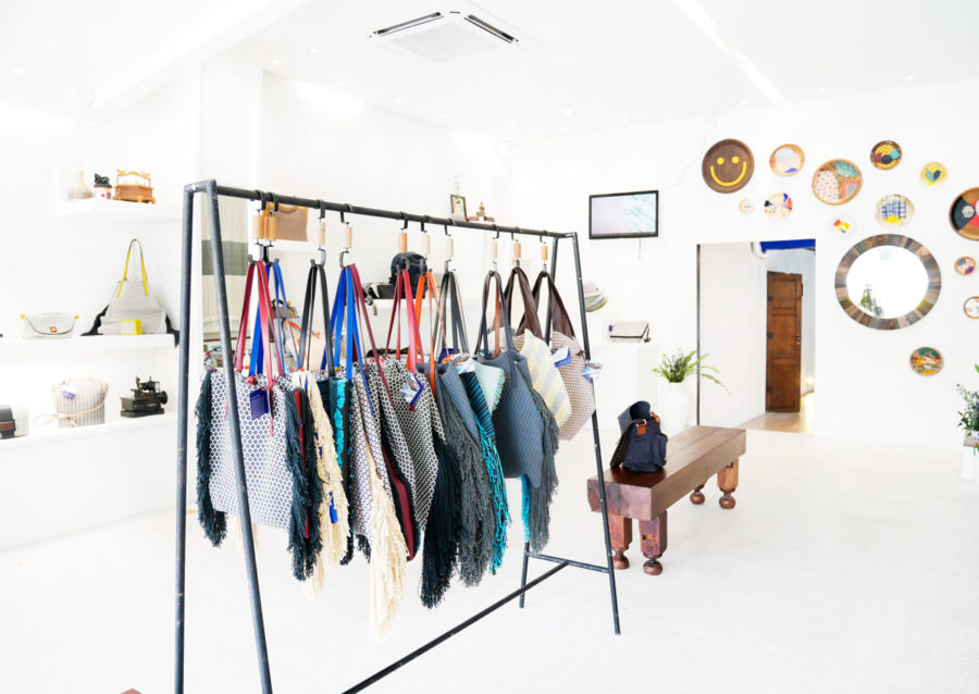 チェンマイ発の織り生地のバッグ|上質なお土産におすすめです