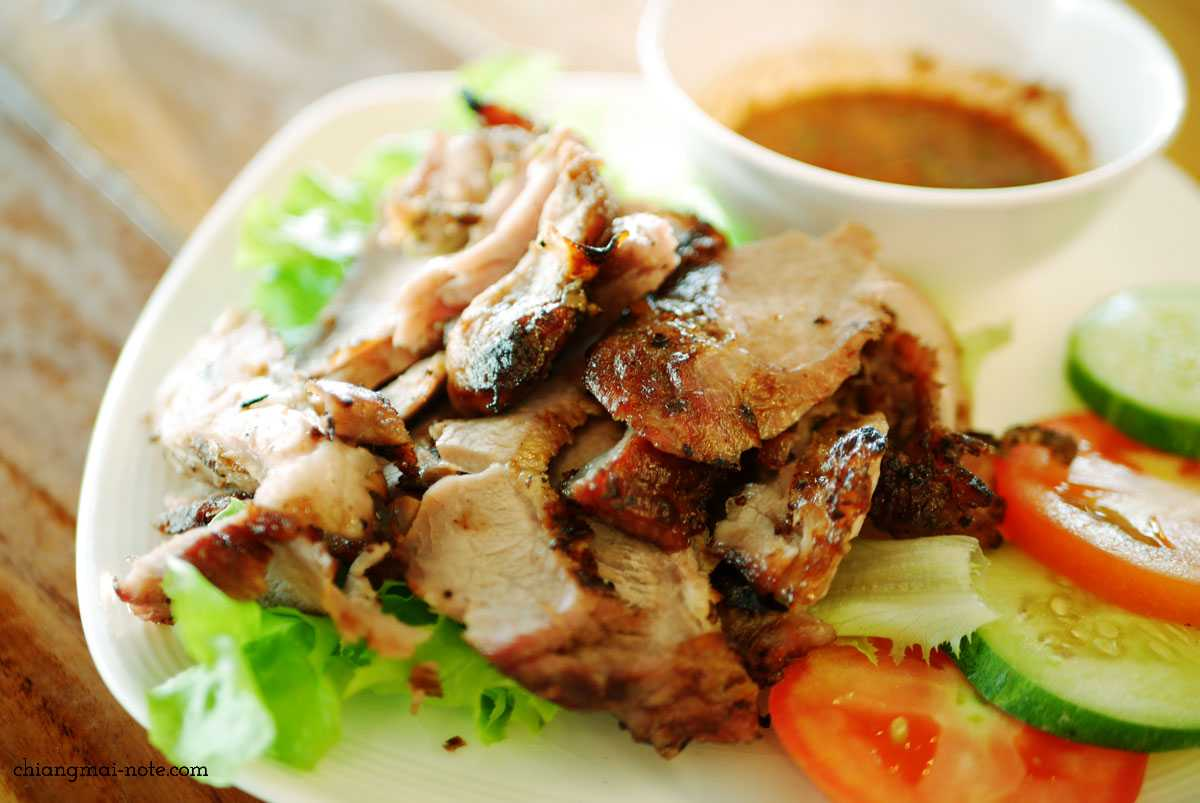 ローカルでいつもにぎわうガイヤーン食堂|KAI YANG KHAO SUAN KWANG